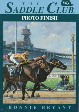 PHOTO FINISH (Saddle Club) by Bonnie Bryant